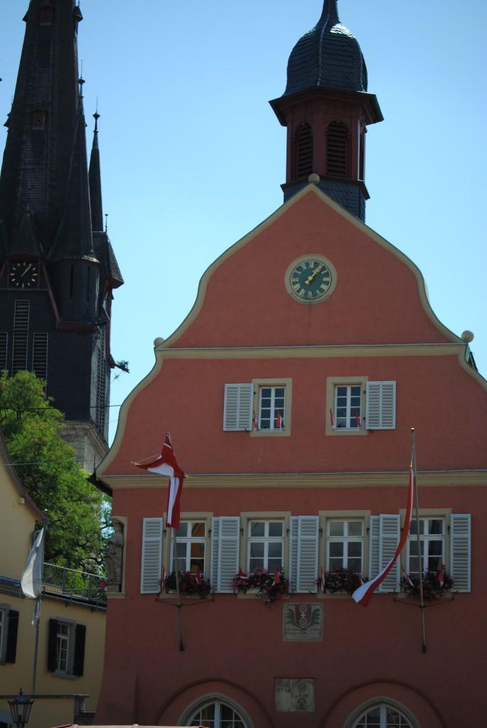 Rathaus und Pfarrkirche, Gau-Algesheim