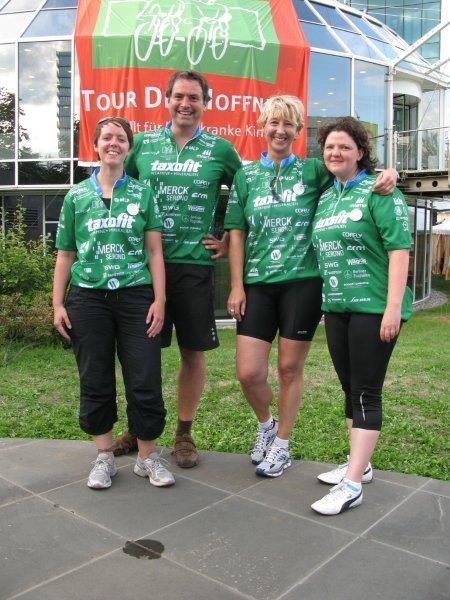 Ziel 1. VOR-TOUR-Tag 2010: Koblenz. Geschafft. Müde. Glücklich. Die VOR-TOUR-Radler der RPT GmbH