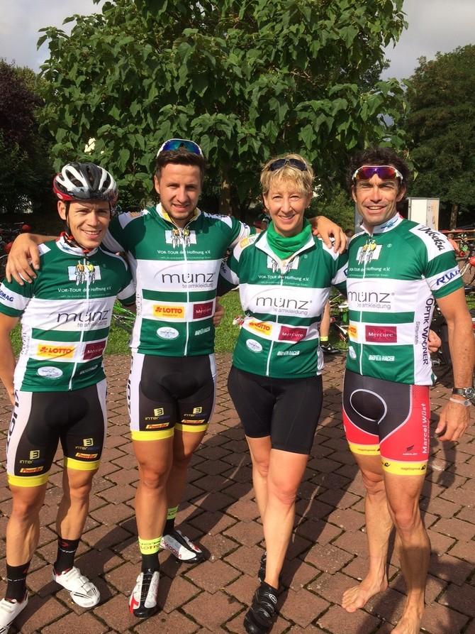 Marcel Wüst, Florian Monreal und André Benoit mit mir auf Tour :-)