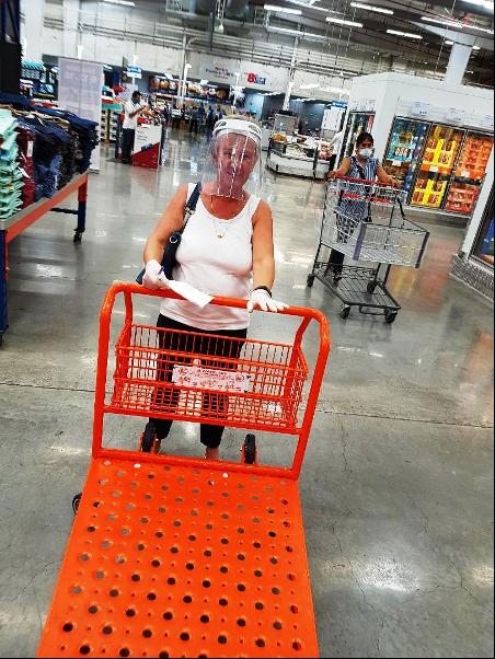 Romy beim Einkauf