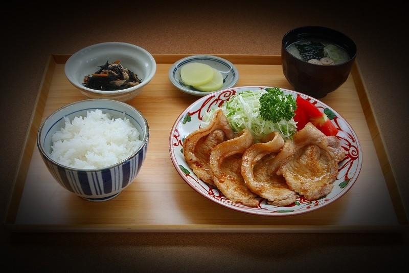 つなんポーク ロース生姜焼き定食
