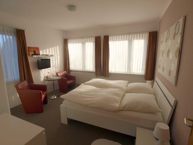 Doppelzimmer mit Dusche/WC - Pension Friedrich Voss Langeoog