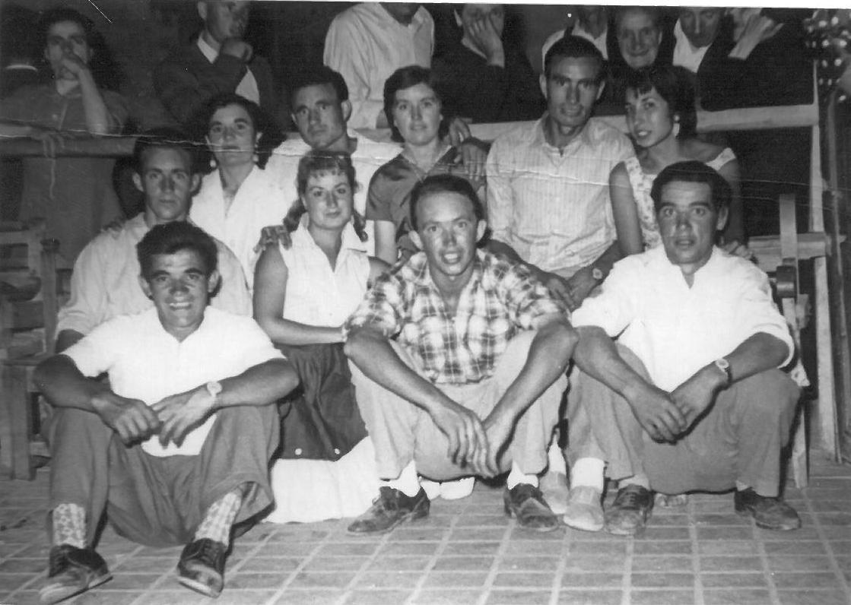 Grupo de vecinos año 1954 Donada por Angel Sebastian