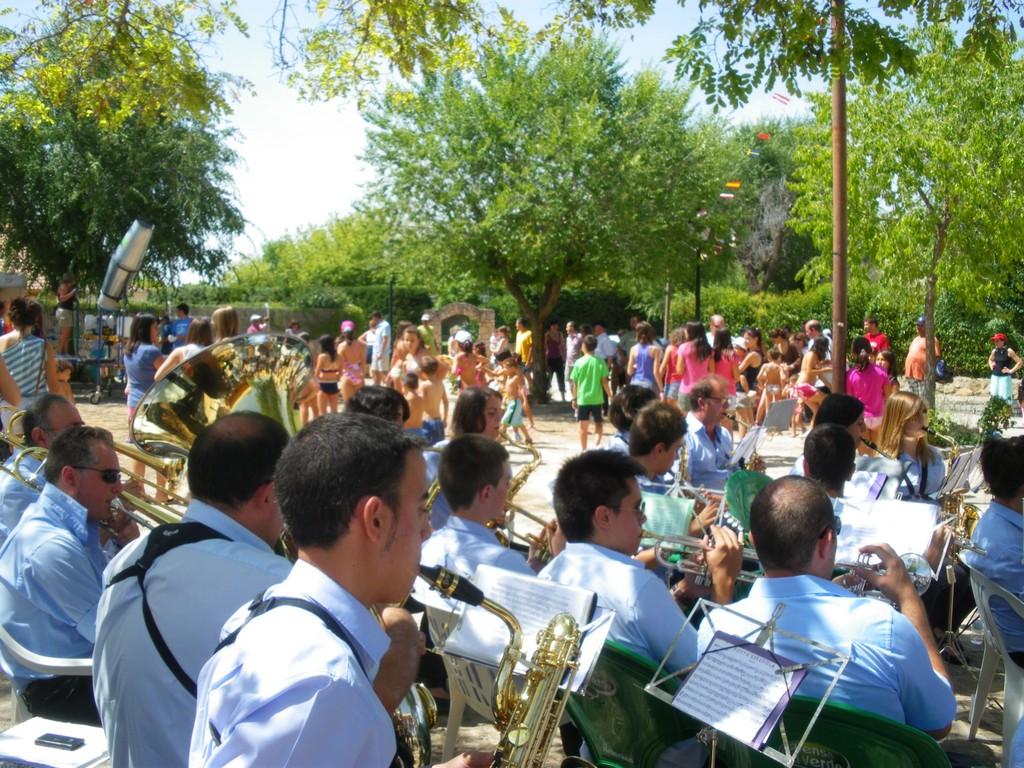 Orquesta Sepulveda y mojada popular 2011