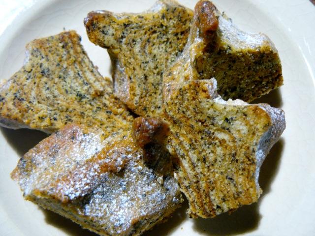 ほうじ茶と米粉のバウムクーヘン(イカリヤ米菓京都)