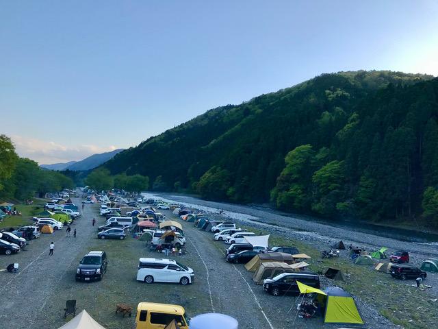 安曇川沿いのキャンプ場 午後5時半