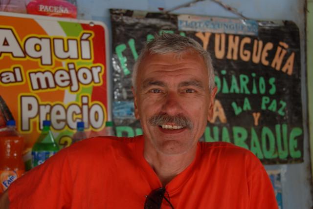 Pause nach der Abfahrt auf dem Camino de la Muerte Bolivien 2008 per Rad!