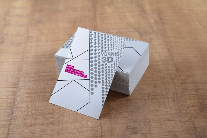 Carte papier métallisé + vernis sélectif 3D