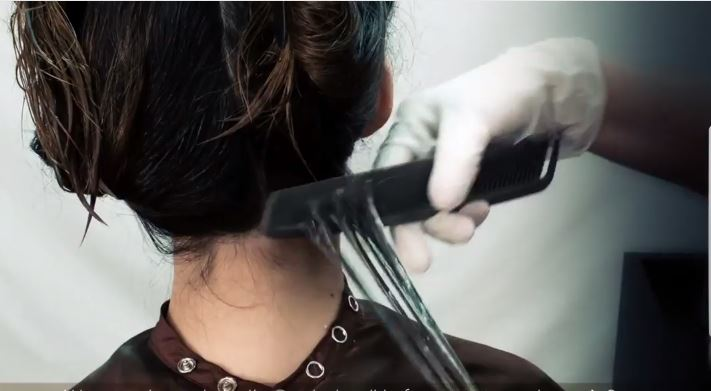 Comment appliquer un lissage brésilien ? Méthode d'application des lissages brésiliens Amazon Keratin, par Le Temple du Cheveu