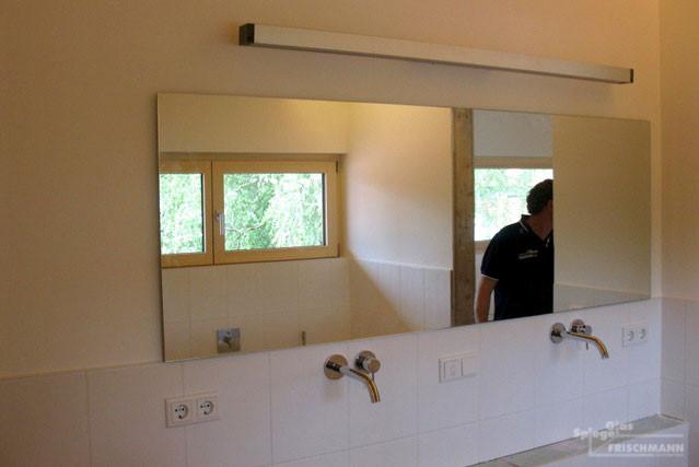 durchgängiger Badezimmerspiegel