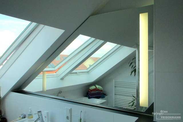 Badezimmerspiegel Dachschräge mit Beleuchtung