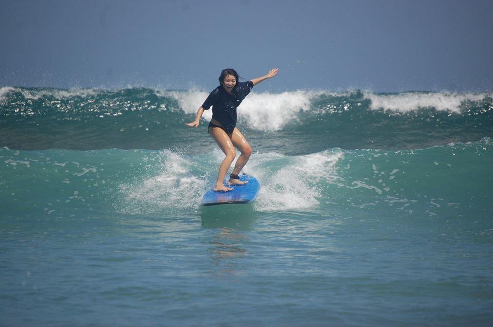 Surfstunde für Anfänger Bali