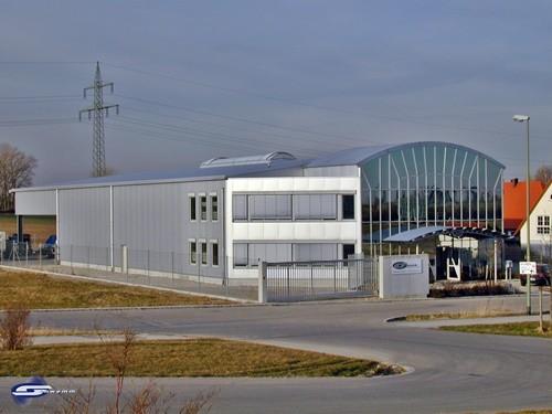 Stahlhalle mit Glasfassade (Firmengebäude von Schwemm)