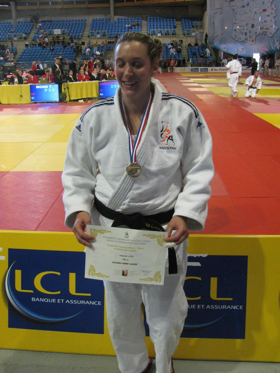 Anne-Laure la sociétaire du Judo Club Argentanais remporte la Coupe de France -78 kg