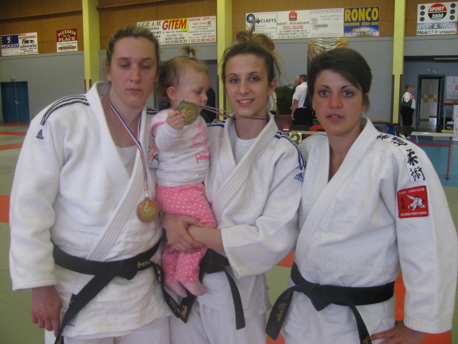 Anne-Laure LECANU; Laura PAIN et Elodie CHAUVEL 5ème en -57 kg