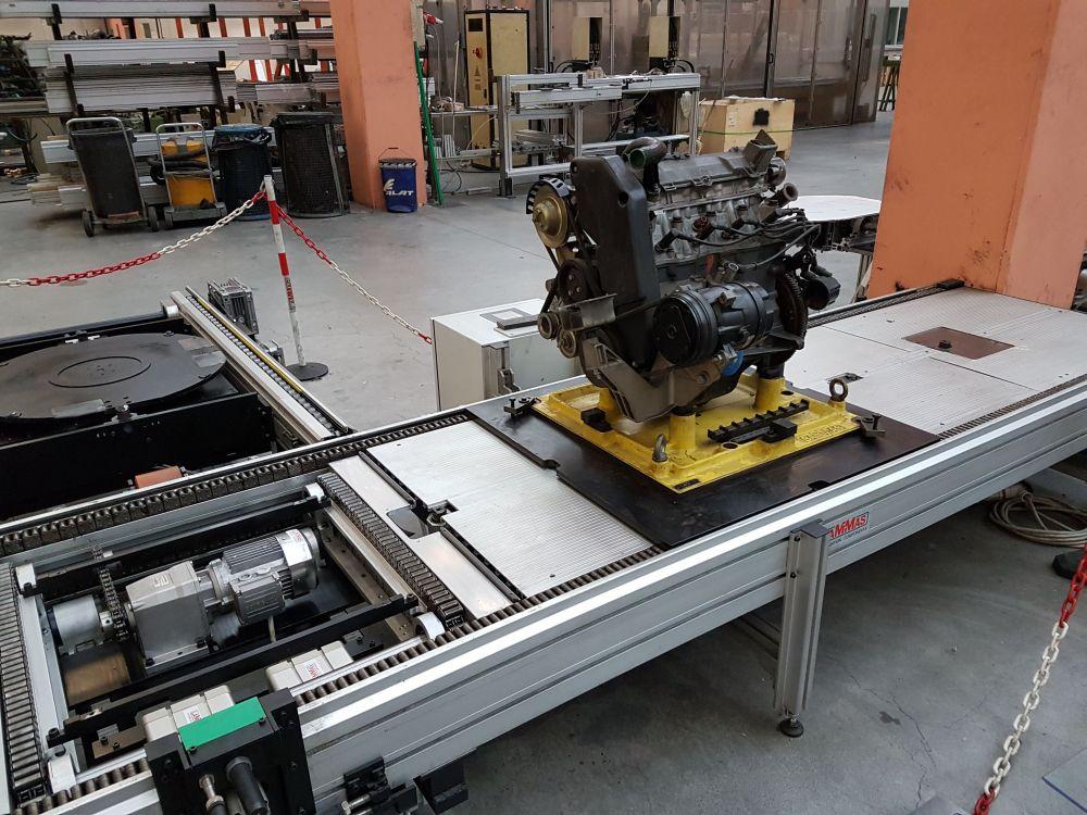 Palettenaufbau mit Motor