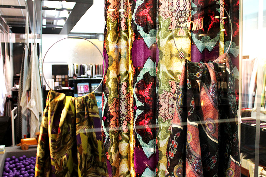 Vorhänge, Tapeten & Polsterstoffe bei Lars Leppin im Stilwerk © ELISA MELANZANI BERLIN