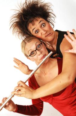 """Tanja Simma und Caroline Richards in """"2und 1 Solo"""" 2006"""