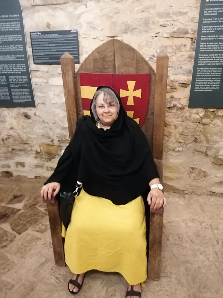 Queen Mum witzelten Einige... auf der Burg in Suceava/Rumänien