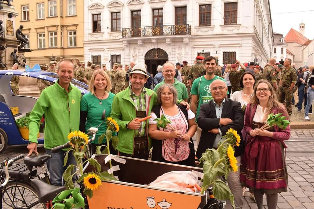 Grüne Truppe auf dem Plärrerumzug