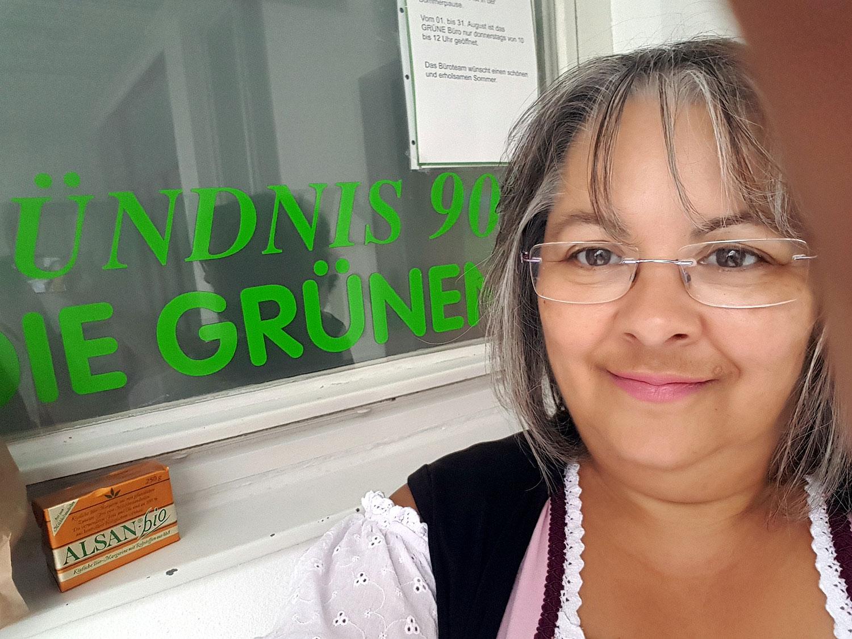 gleich gibts Brezen für Alle - kurz vor dem Plärrerumzug in Augsburg