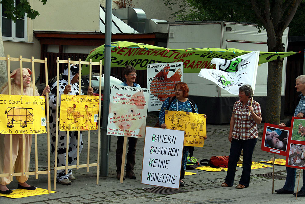 Protest bei der Veranstaltung des Bauernverbands in Dillingen 2017