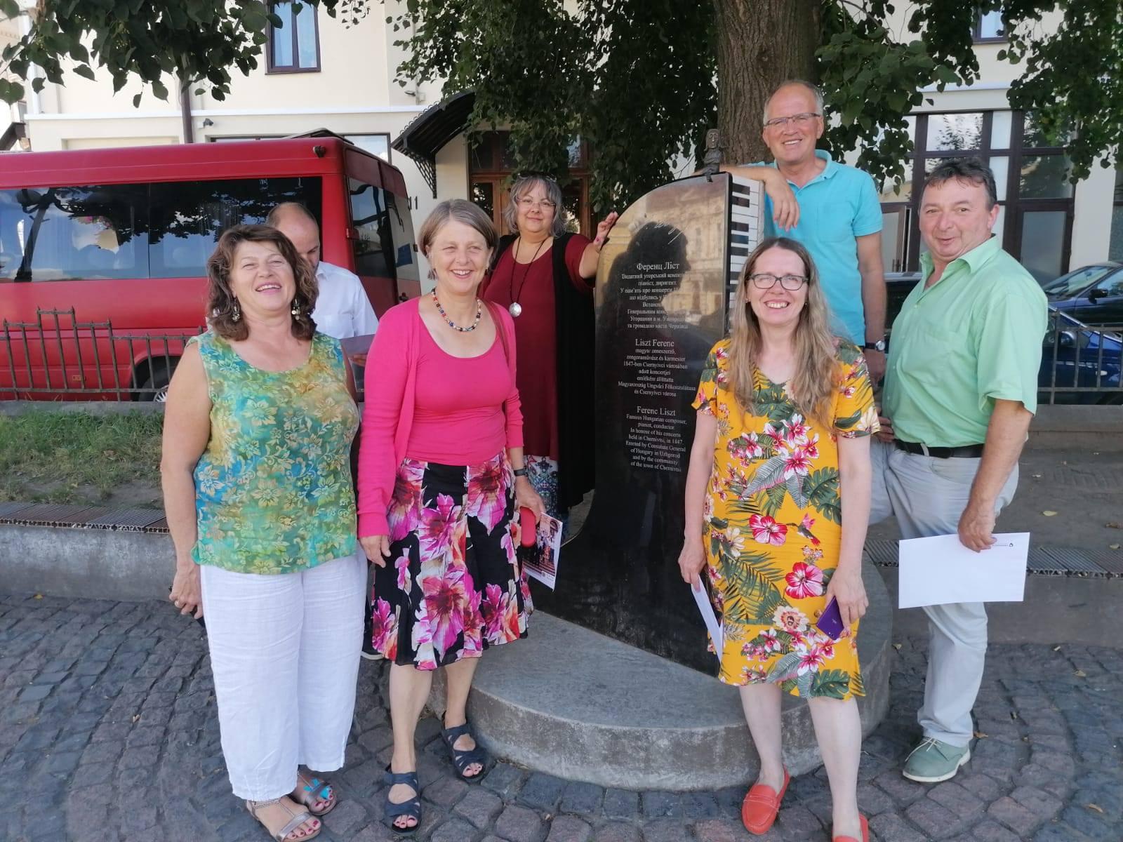am Brunnen in Czernowitz/ Ukraine