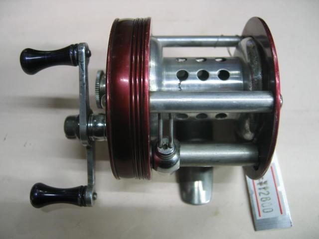 ノブは金属製で固着ナシ、そして高回転のラングレーのルアーキャストです。¥12800