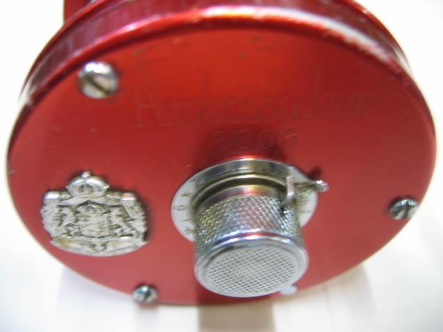 ABUの5000REDー74年のOLDリールです。レベルワインドとスーパーギア側は清掃済みです。¥19800