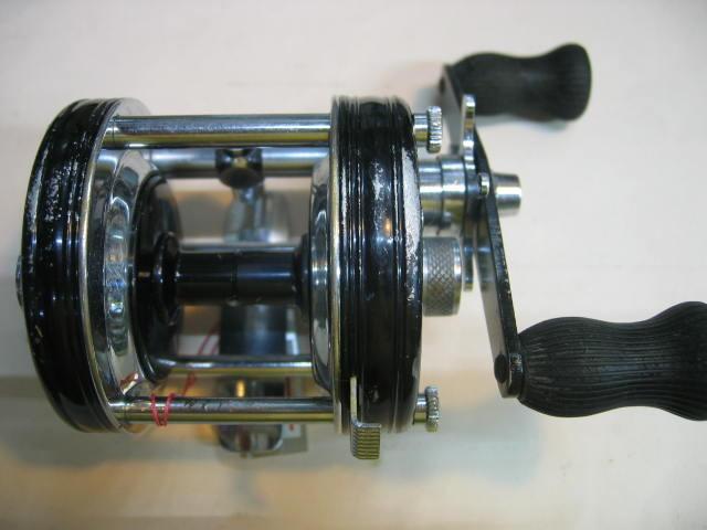回転のいいABU5000のブラック(多少洗浄してグリスUPしてあります。)¥12800