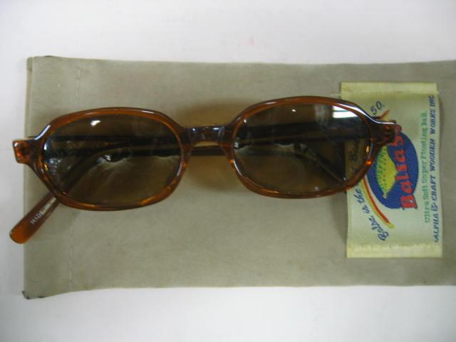 SOLDOUT,ザウルス50の偏光グラス¥3000(専用の袋付き)、OLDッポイレトロ調のおしゃれな偏光グラスです。
