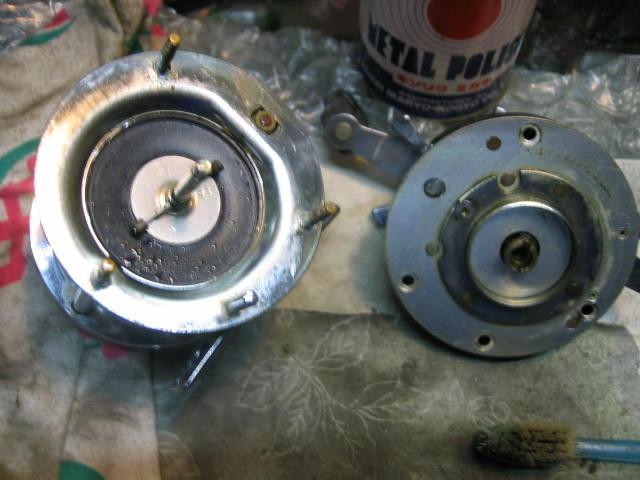 ABUの5500Cを分解し洗ってスーパーギアの回転を良くしレベルワインドを清掃しました。