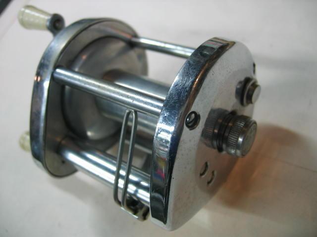 独特の風貌のわりに軽い回転が心地よいオーシャンシティーのダイレクトリールです。¥12800