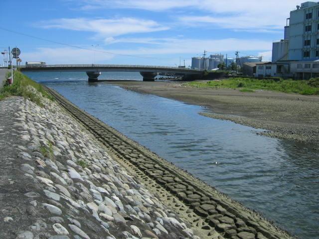 庵原川の河口