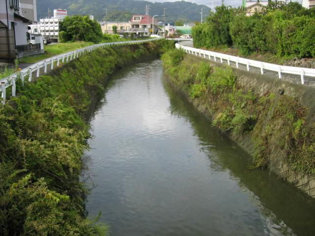 巴川に合流する手前の山原川です。