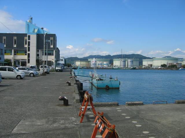 右隅中央に小さく富士山が見れます。