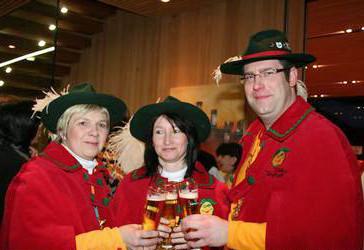 Schlüsselübergabe Ludesch - Ivonne, Alexandra und Patrick