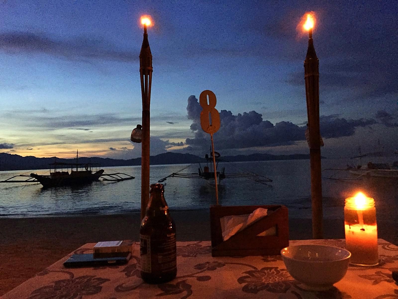 Das Abendessen in den Summer Homes mit schöner Aussicht.