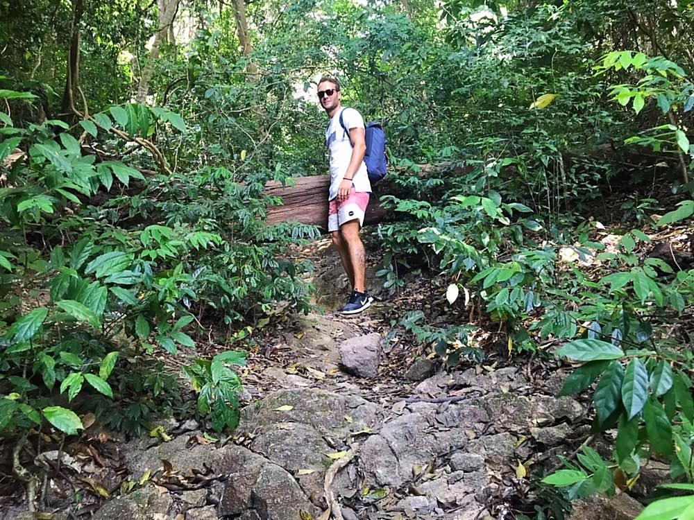 Der steile Weg zum Viewpoint in Koh Adang
