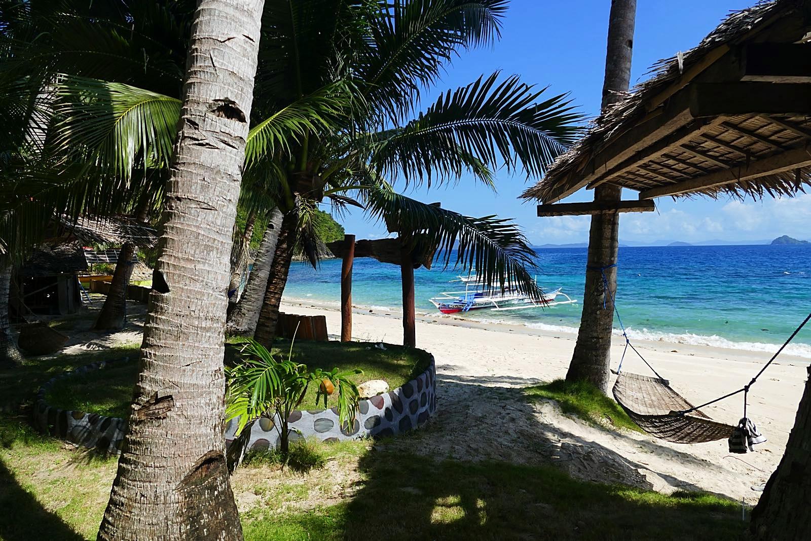 Auf Coconut Garden Island Resort gibt es viele Hängematten, die einem das relaxen einfach machen.