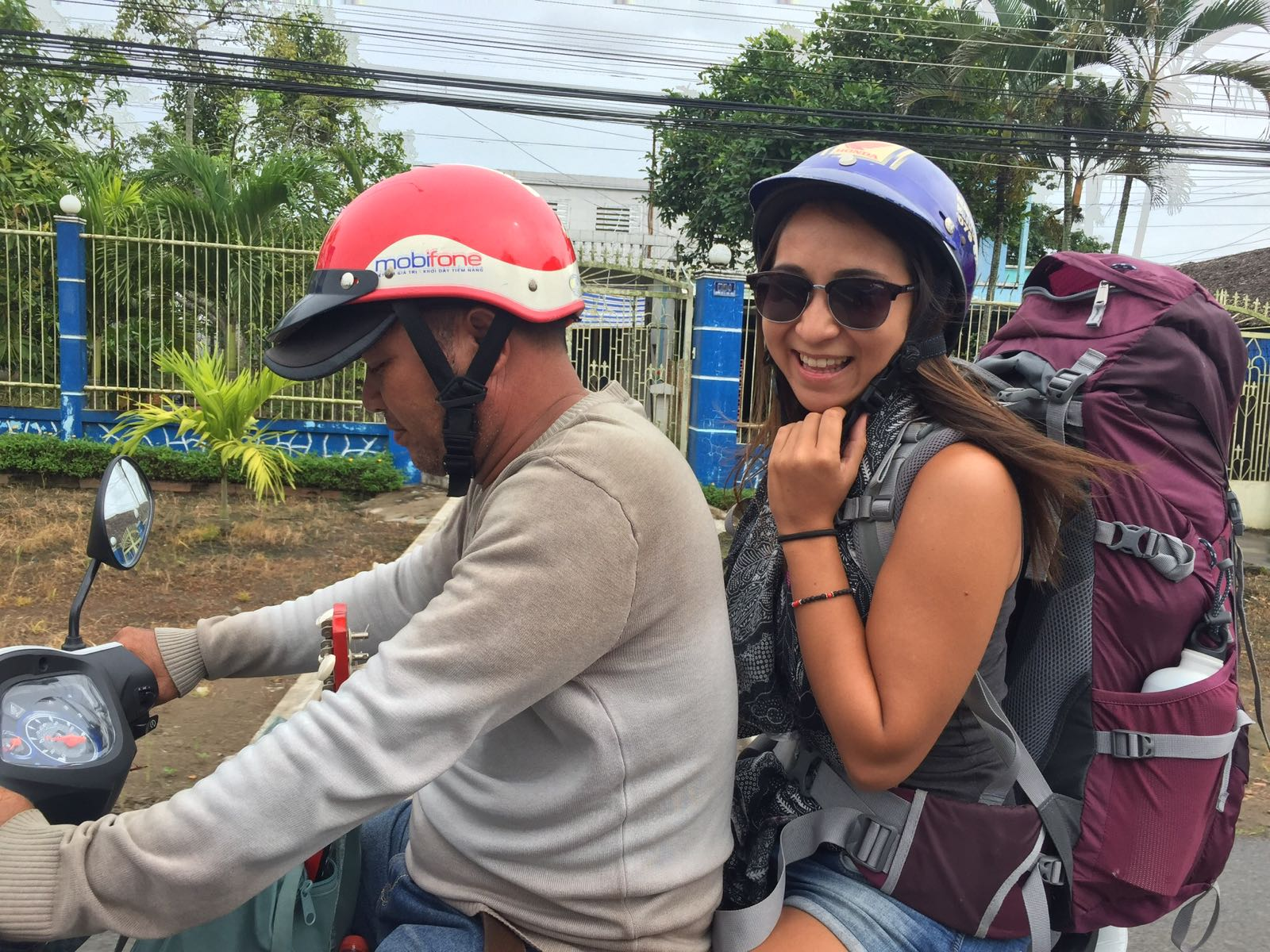 Unser Rollertaxi - wir sind froh um unsere Backpacks