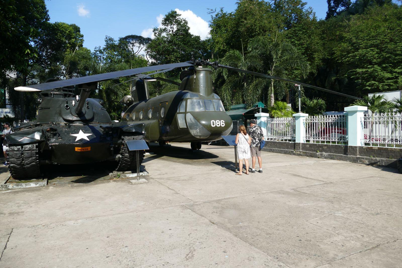 Amerikanische Hubschrauber im Kriegsopfer-Museum