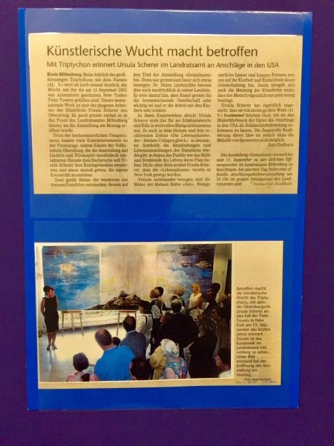 """Triptychon  """"9/11""""  von Ursula Scherer im Landratsamt bei der Eröffnung der Ausstellung   im  August 2002 / Auf dem Jahrestag von 9/11  ist  eine Vinisage mit Gedenkveranstaltung von Ihr geplant"""