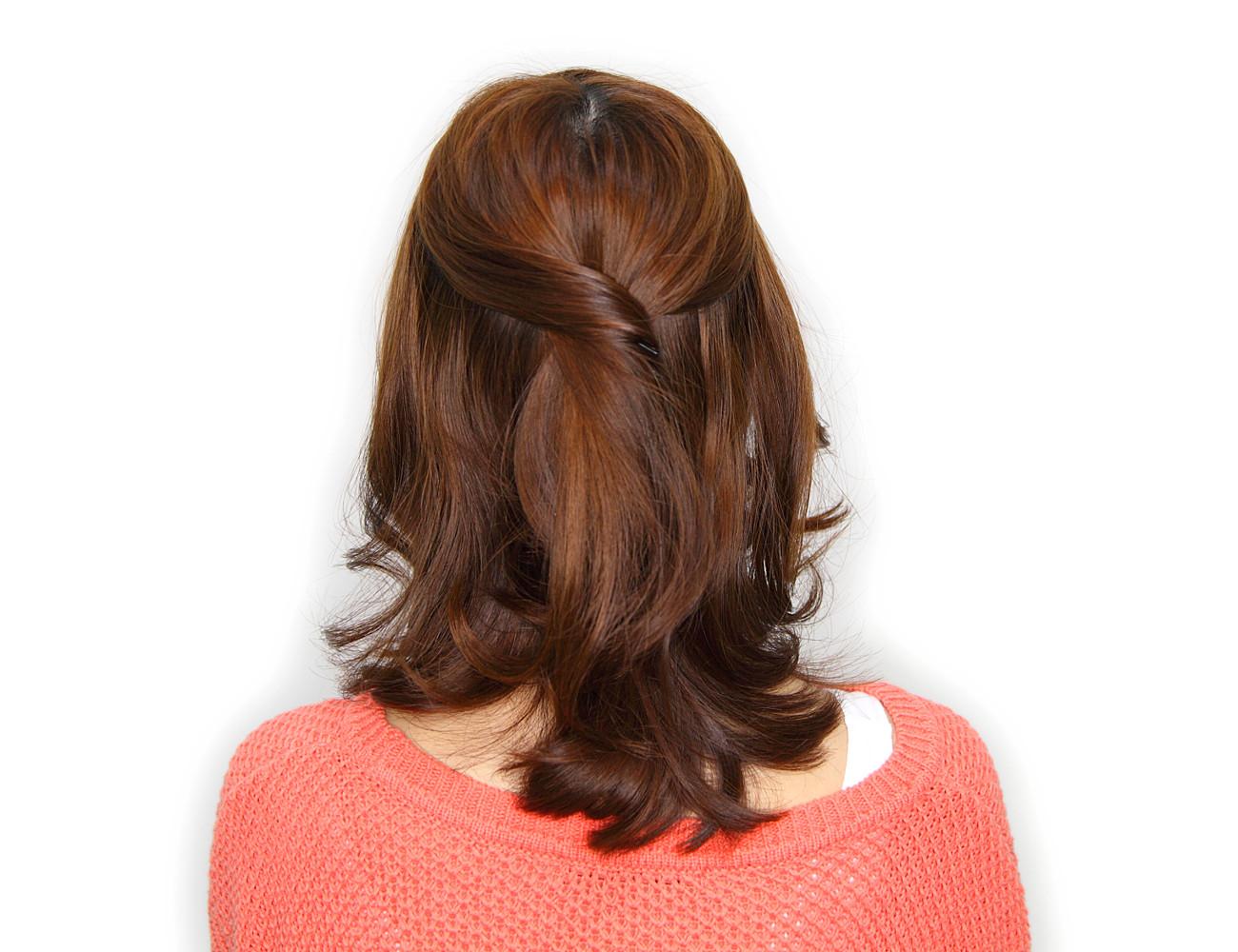 前髪を作るガーリーヘア