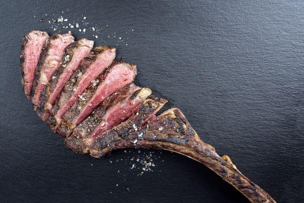 Restaruant Adriana Tomahawk Steak
