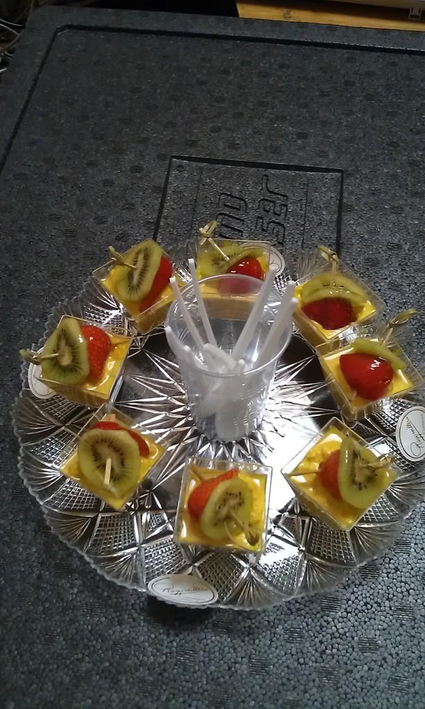 Poulet-Curry mit Fruchtspiesschen