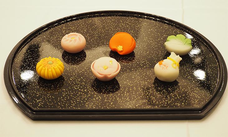 会場内には和菓子職人の作品も展示された