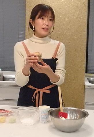 江口さんがアレンジレシピを実演