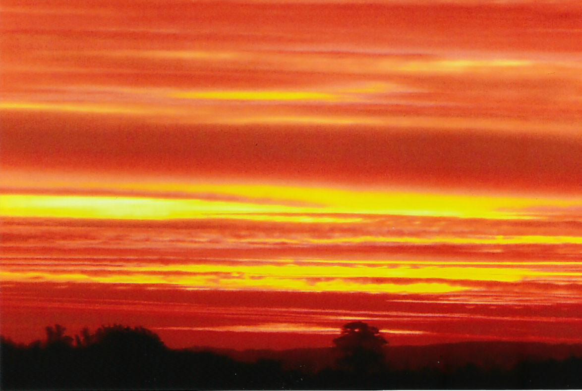 """""""Der Himmel brennt"""", Sonnenaufgang auf Poel / Foto L.H."""