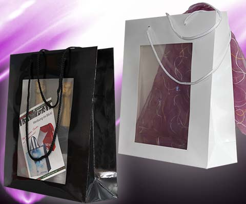 Tragetaschen aus Papier Papiertaschen mit Sichtfenster und glanz Laminierung ohne Druck